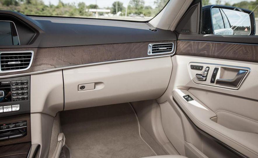 2014 Mercedes-Benz E250 BlueTec 4MATIC - Slide 21