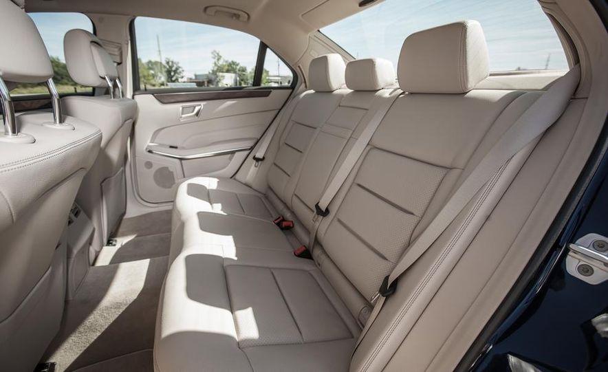 2014 Mercedes-Benz E250 BlueTec 4MATIC - Slide 25