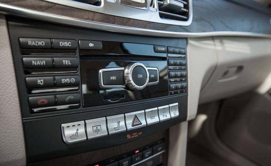 2014 Mercedes-Benz E250 BlueTec 4MATIC - Slide 32
