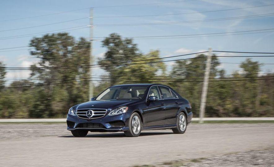 2014 Mercedes-Benz E250 BlueTec 4MATIC - Slide 1