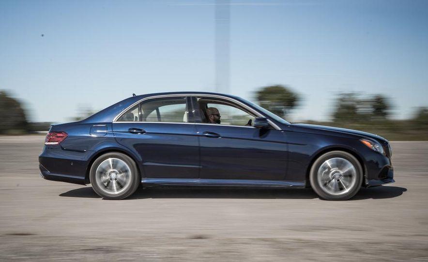 2014 Mercedes-Benz E250 BlueTec 4MATIC - Slide 4