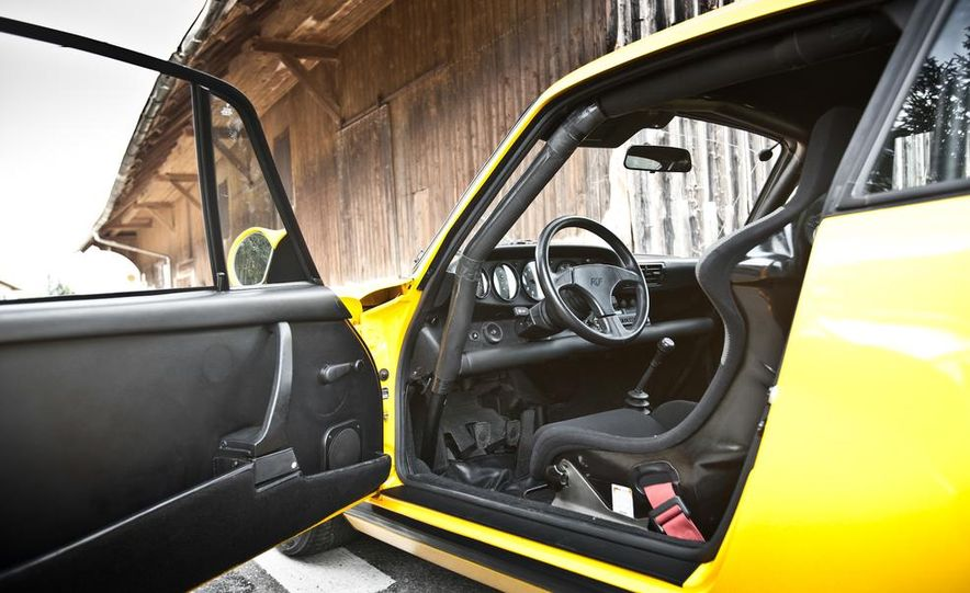 """1987 Ruf CTR """"Yellowbird"""" 911 Turbo - Slide 15"""