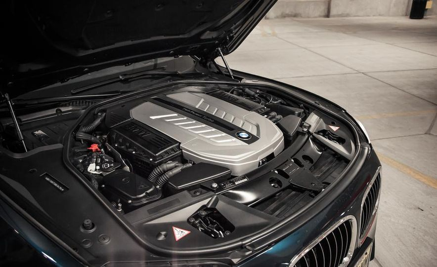 2016 BMW 7-series (spy photo) - Slide 74