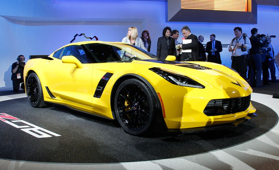 2015 Chevrolet Corvette Z06 Photos And Info News Car And Driver