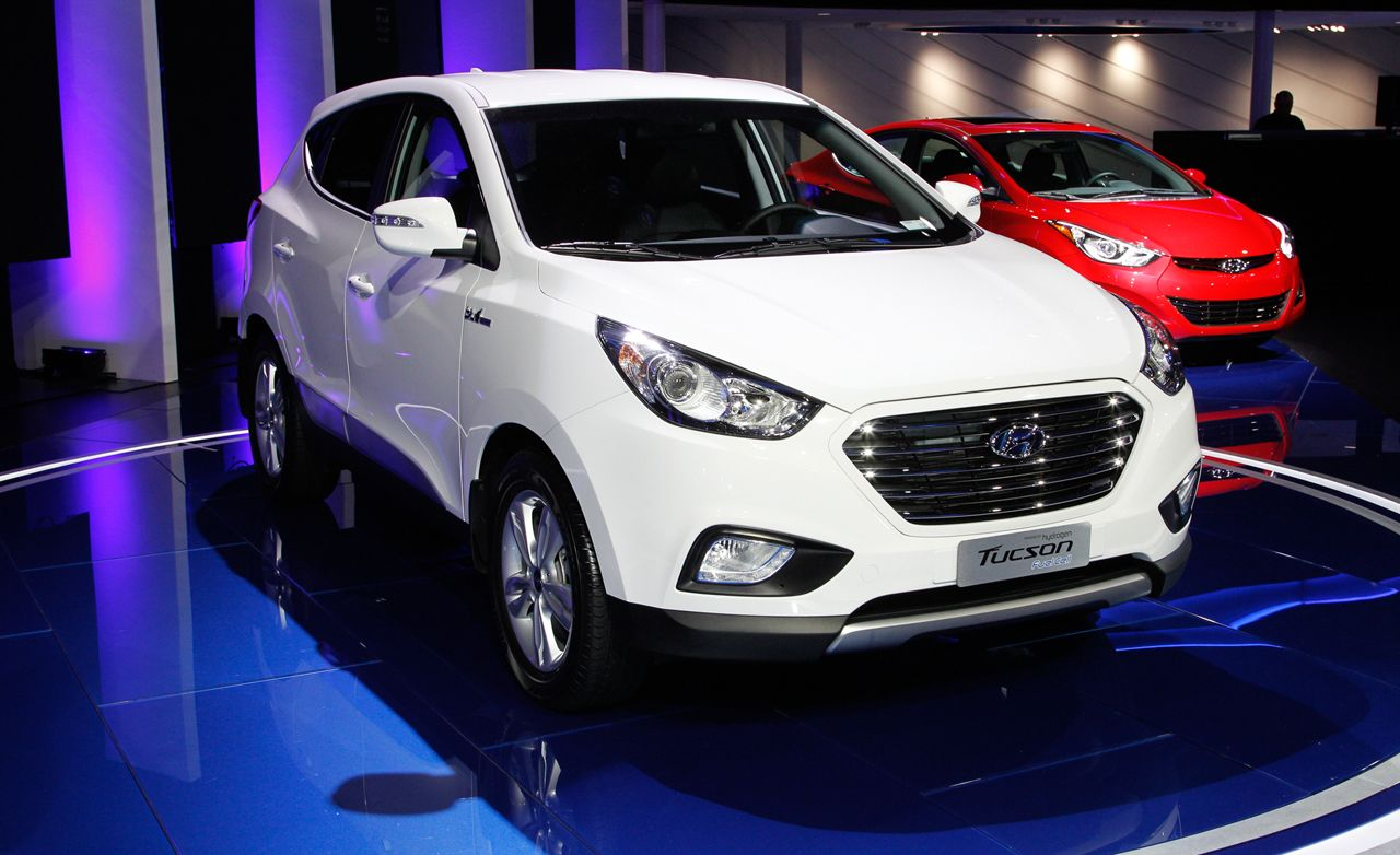 2015 Hyundai Tucson Fuel Cell: Hydrogen-Powered Motoring for $499 a Month