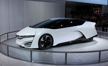 Honda FCEV Concept Debuts With Cleverly Packaged Fuel-Cell Powertrain, Sharp Looks