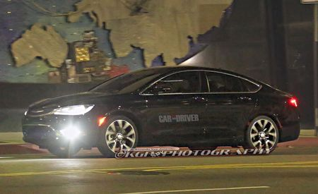 2015 Chrysler 200 Sedan Spied Totally Uncovered Ahead of Detroit Debut