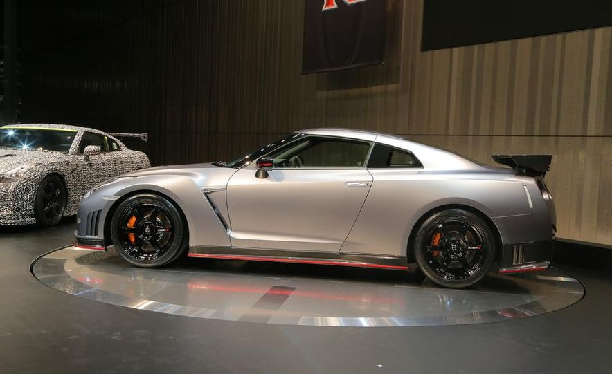 """2015 Nissan GT-R NISMO with """"track package"""" and 2015 Nissan GT-R NISMO - Slide 6"""