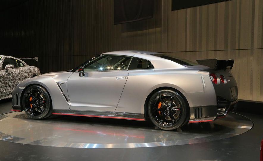 """2015 Nissan GT-R NISMO with """"track package"""" and 2015 Nissan GT-R NISMO - Slide 7"""