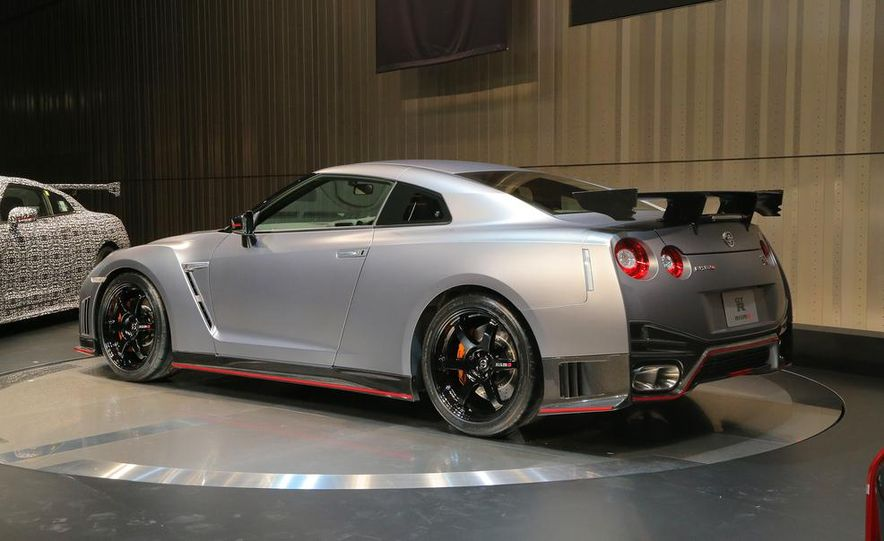 """2015 Nissan GT-R NISMO with """"track package"""" and 2015 Nissan GT-R NISMO - Slide 8"""