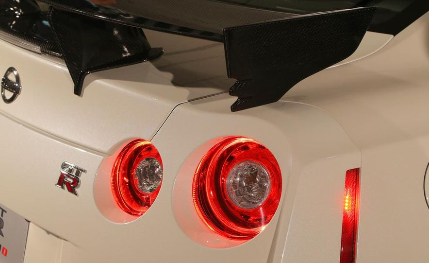 """2015 Nissan GT-R NISMO with """"track package"""" and 2015 Nissan GT-R NISMO - Slide 23"""