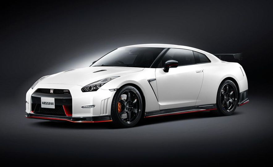 """2015 Nissan GT-R NISMO with """"track package"""" and 2015 Nissan GT-R NISMO - Slide 34"""