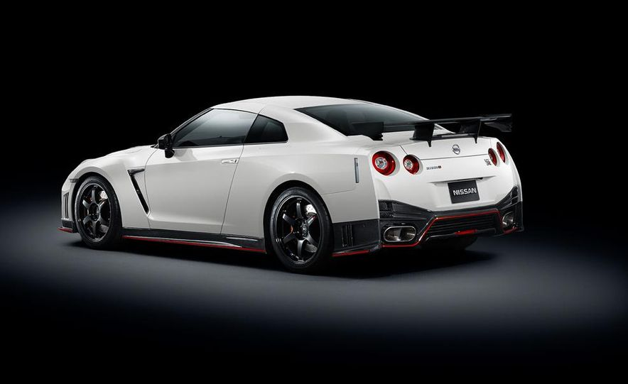 """2015 Nissan GT-R NISMO with """"track package"""" and 2015 Nissan GT-R NISMO - Slide 35"""