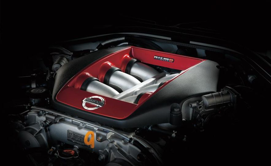 """2015 Nissan GT-R NISMO with """"track package"""" and 2015 Nissan GT-R NISMO - Slide 43"""
