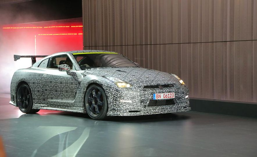 """2015 Nissan GT-R NISMO with """"track package"""" and 2015 Nissan GT-R NISMO - Slide 30"""