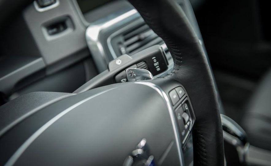 2014 Volvo S60 T6 AWD - Slide 38