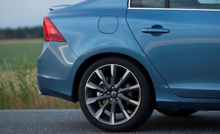 2014 Volvo S60 T6 AWD - Slide 10