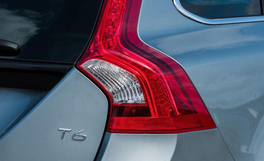 2014 Volvo S60 T6 AWD - Slide 33