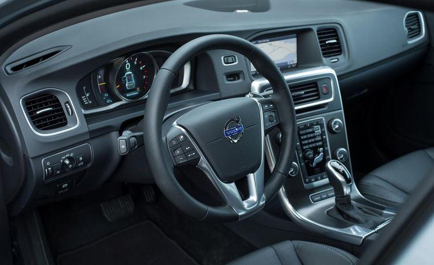 2014 Volvo S60 T6 AWD - Slide 35