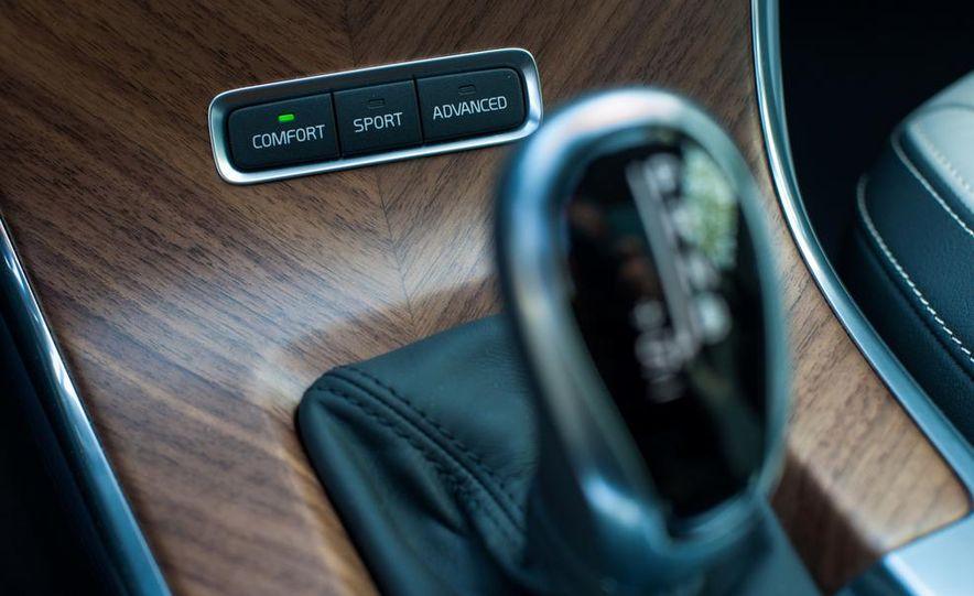 2014 Volvo S60 T6 AWD - Slide 55