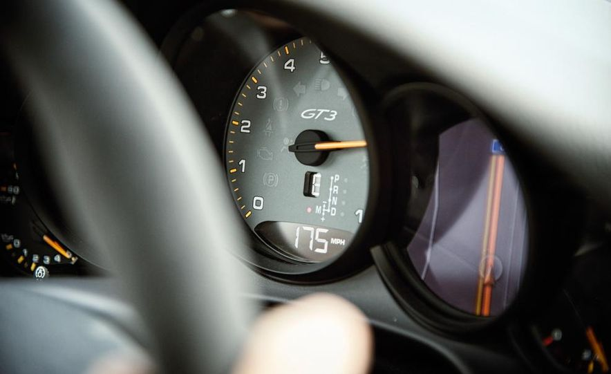 2014 Porsche 911 GT3 - Slide 26