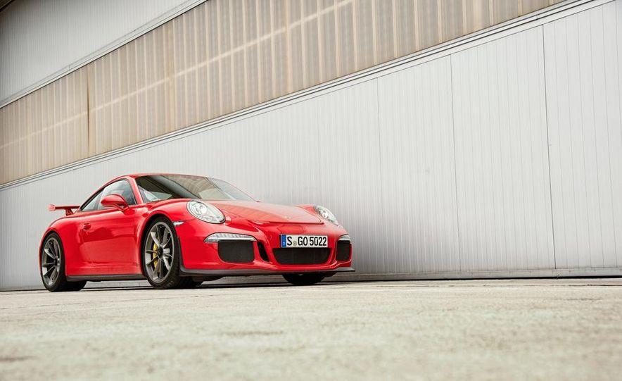2014 Porsche 911 GT3 - Slide 8