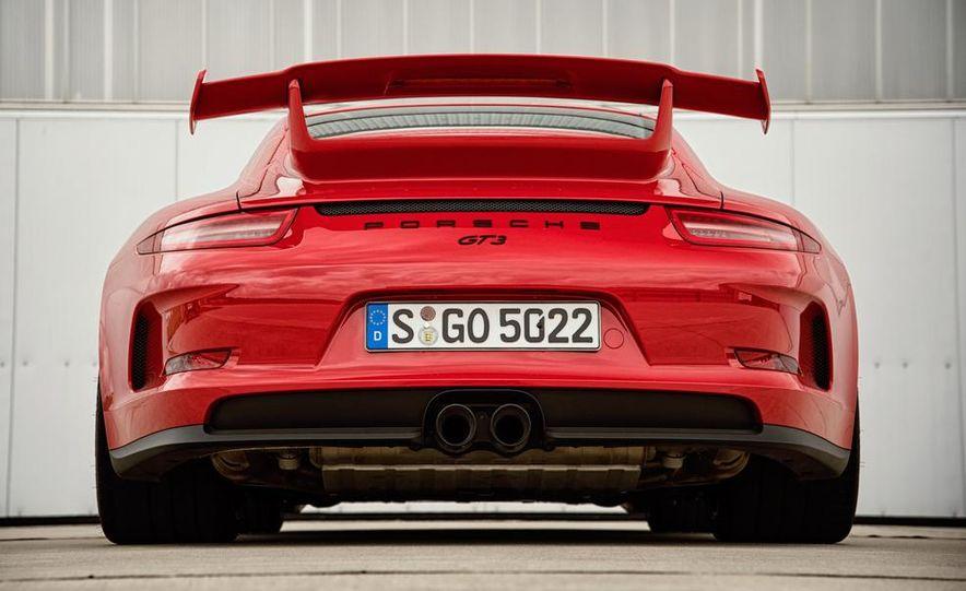 2014 Porsche 911 GT3 - Slide 11
