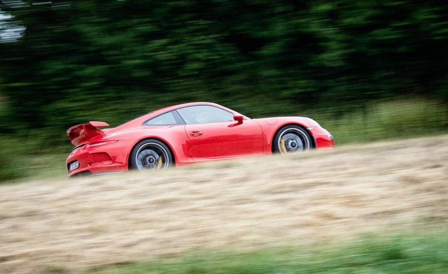 2014 Porsche 911 GT3 - Slide 12