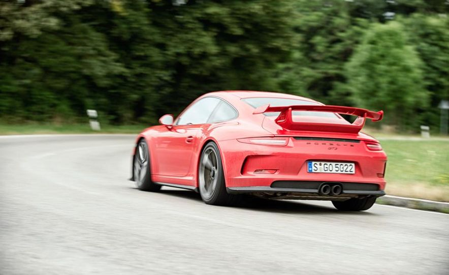 2014 Porsche 911 GT3 - Slide 13