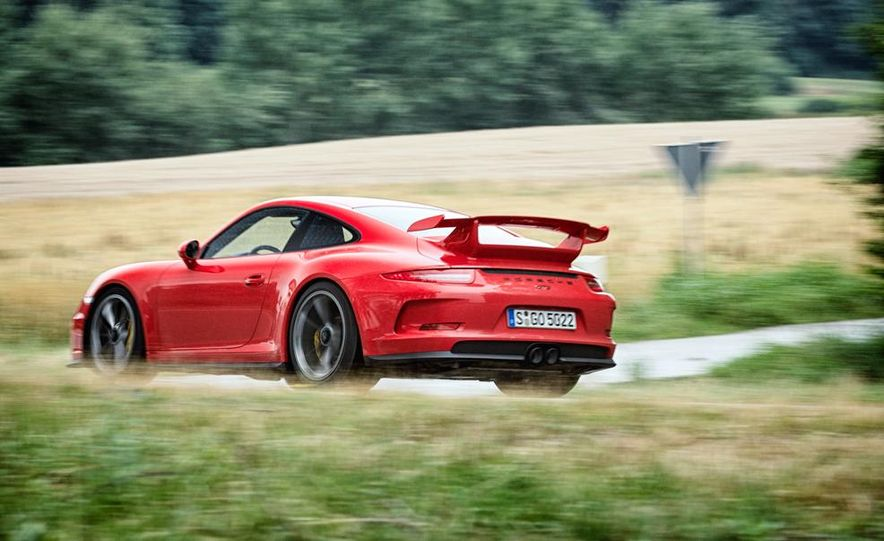 2014 Porsche 911 GT3 - Slide 15