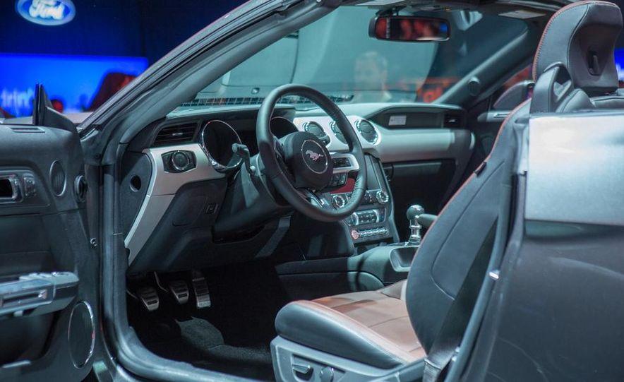 2015 Ford Mustang GT - Slide 52