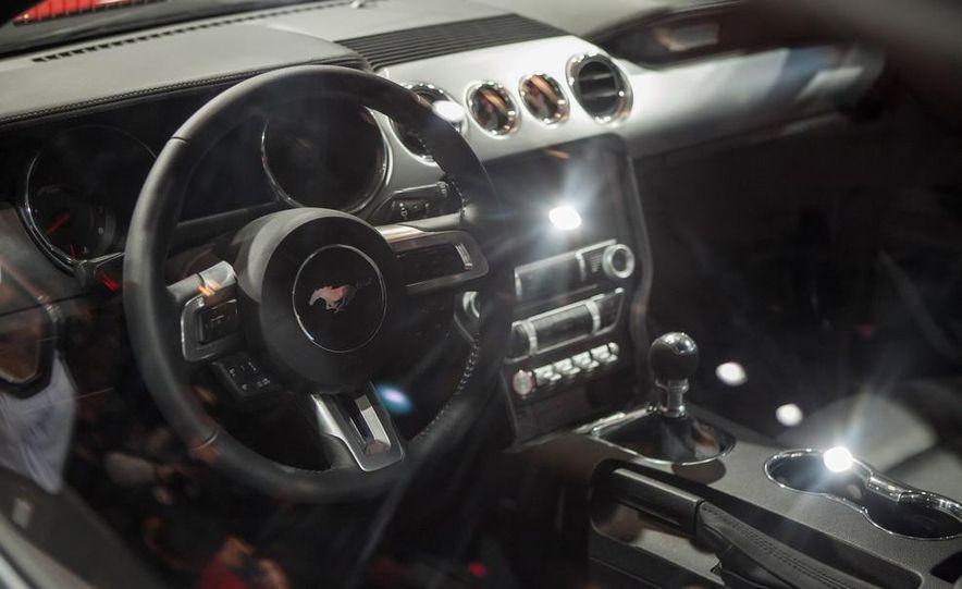 2015 Ford Mustang GT - Slide 43