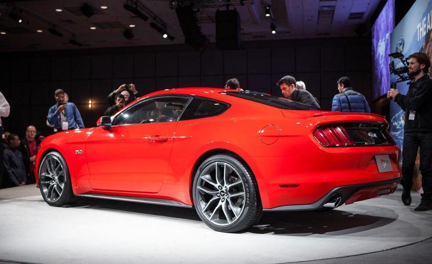 2015 Ford Mustang GT - Slide 25