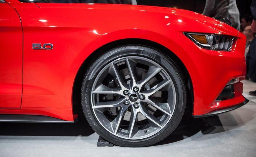 2015 Ford Mustang GT - Slide 27