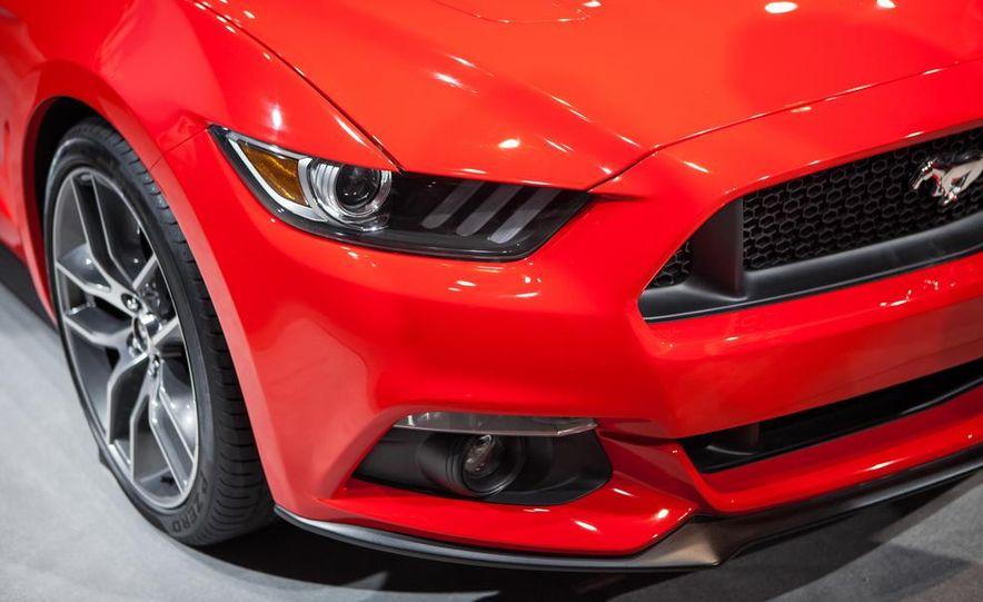 2015 Ford Mustang GT - Slide 29