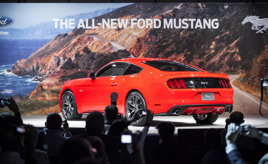 2015 Ford Mustang GT - Slide 37
