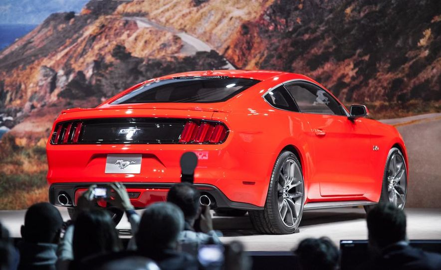 2015 Ford Mustang GT - Slide 38