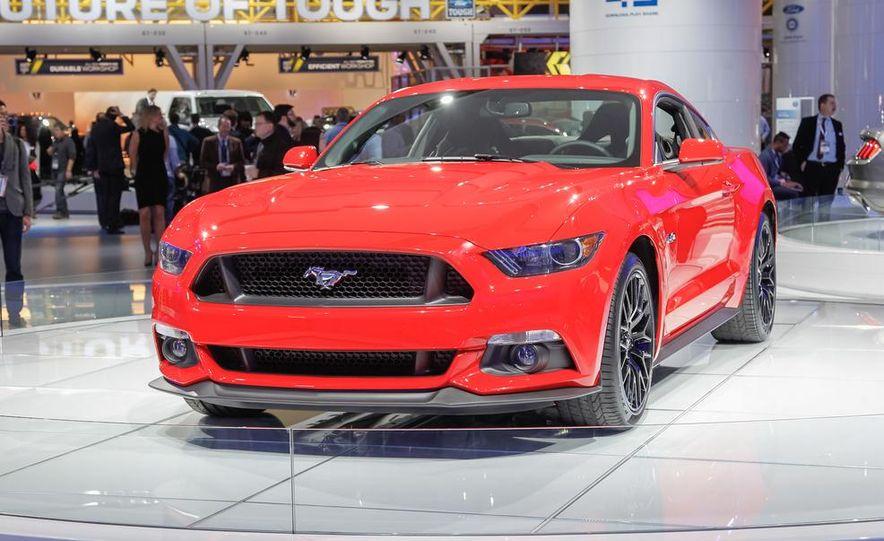 2015 Ford Mustang GT - Slide 2