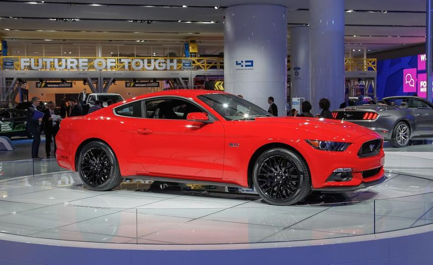 2015 Ford Mustang GT - Slide 9