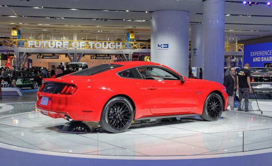 2015 Ford Mustang GT - Slide 12
