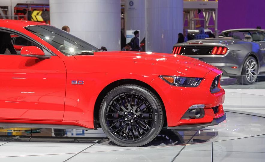 2015 Ford Mustang GT - Slide 20