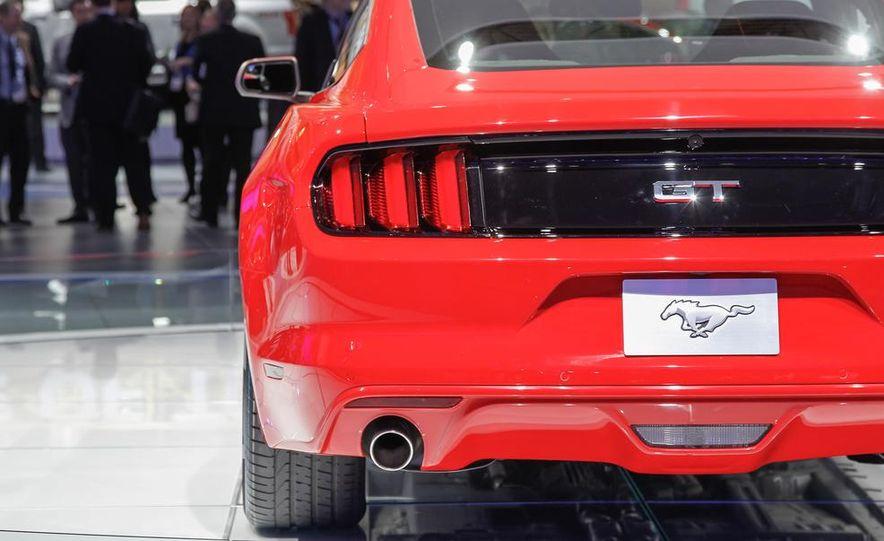 2015 Ford Mustang GT - Slide 23