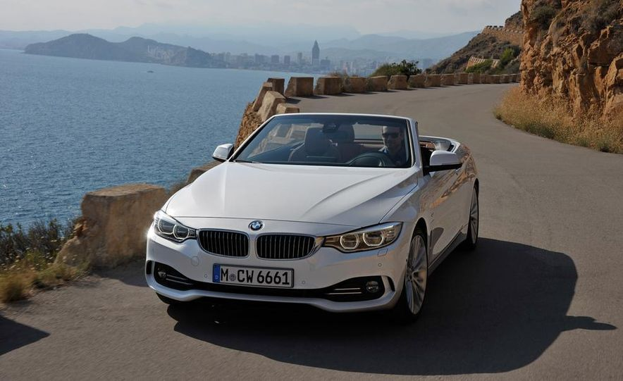2014 BMW 428i Luxury Line convertible - Slide 40