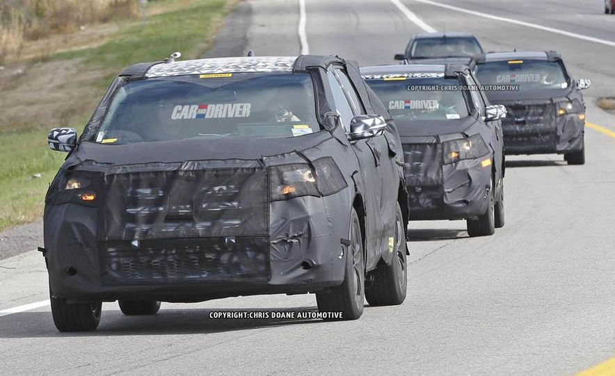2015 Ford Edges (spy photo) - Slide 1