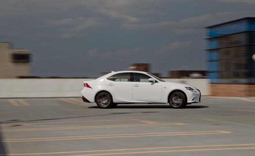 2014 Lexus IS250 F Sport AWD - Slide 7