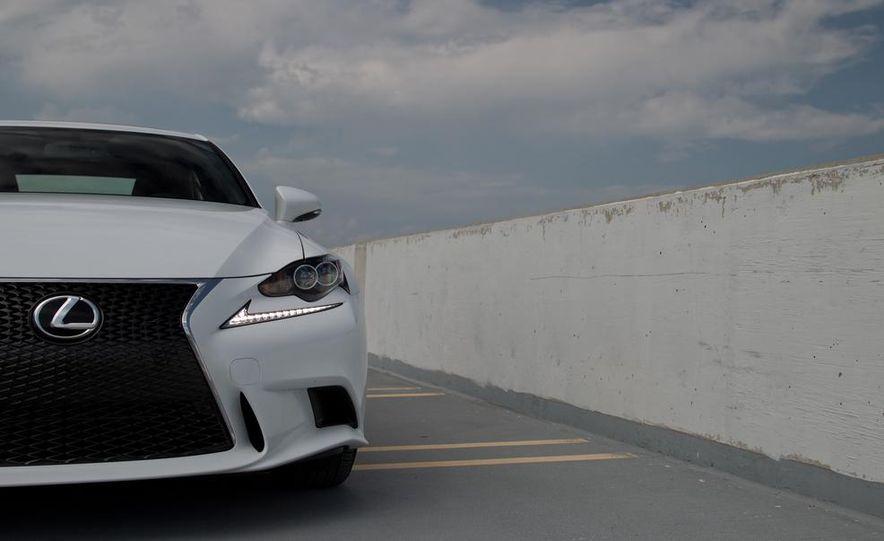 2014 Lexus IS250 F Sport AWD - Slide 14