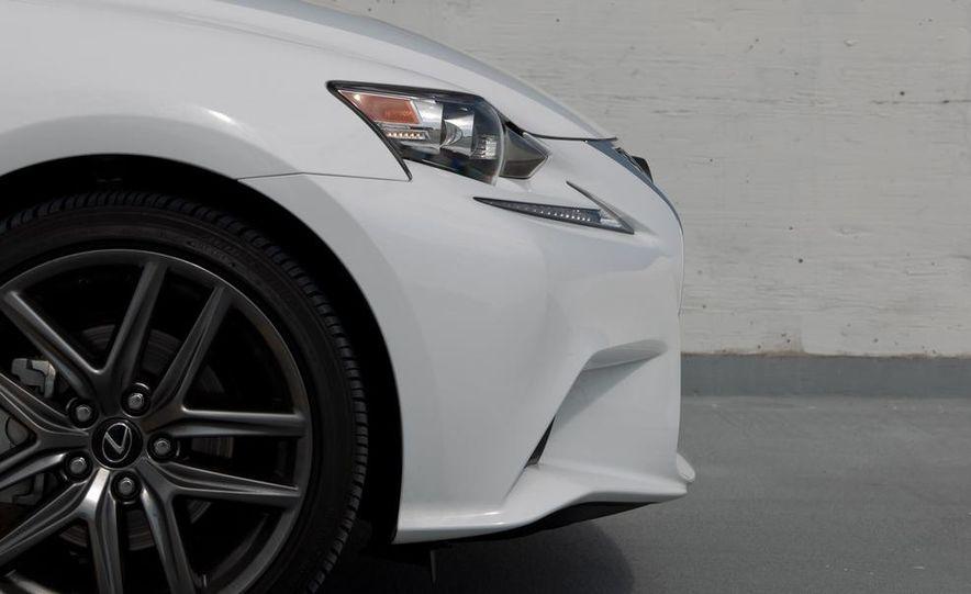 2014 Lexus IS250 F Sport AWD - Slide 16