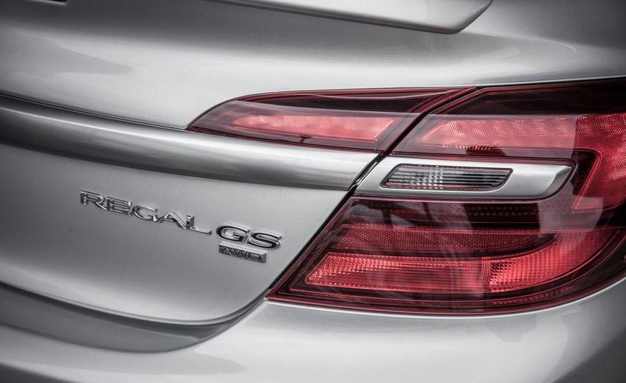 2014 Buick Regal GS AWD - Slide 16