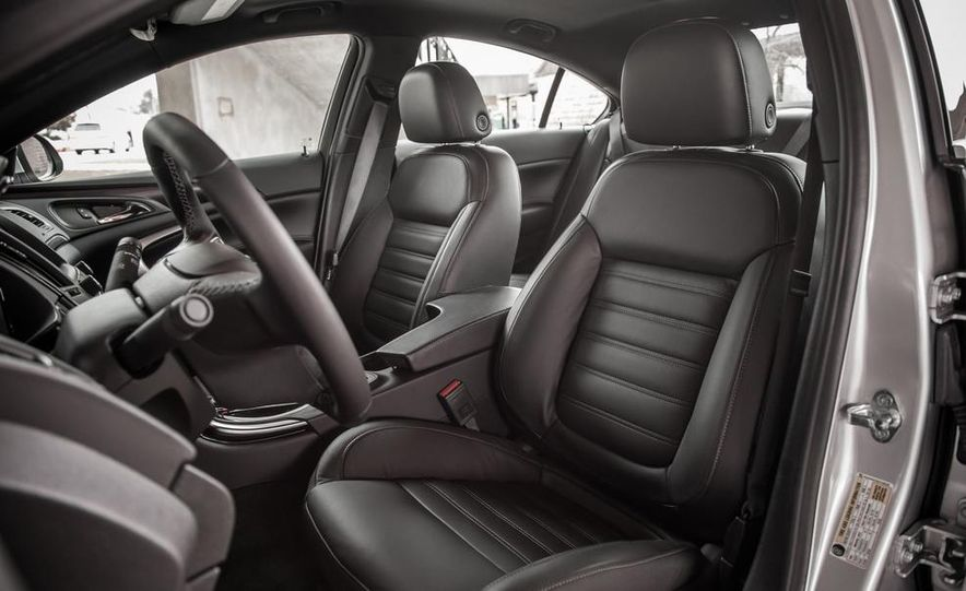2014 Buick Regal GS AWD - Slide 21