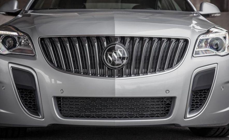 2014 Buick Regal GS AWD - Slide 12